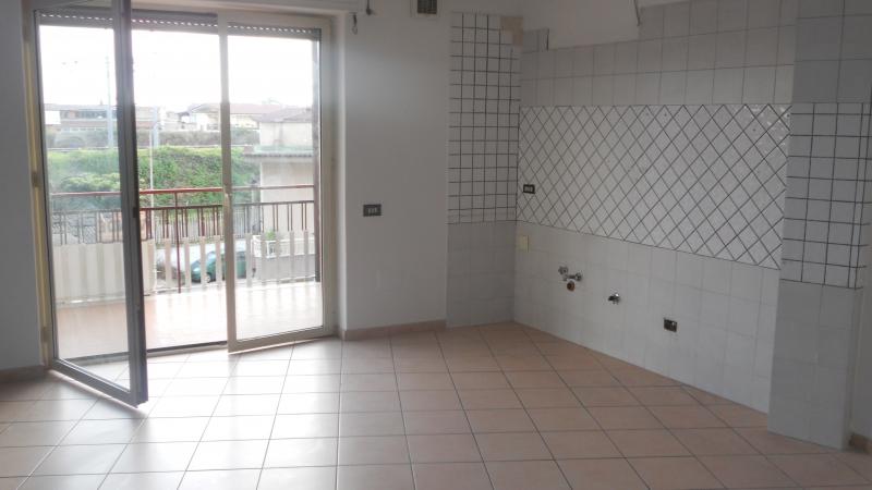 Appartamento affitto SAN MARCELLINO (CE) - 3 LOCALI - 110 MQ - foto 3