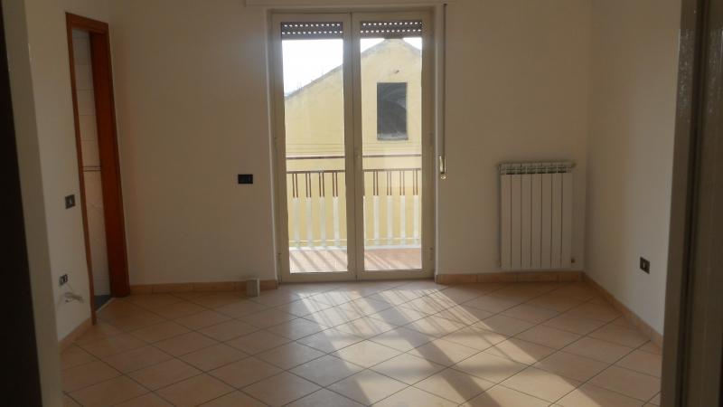 Appartamento affitto SAN MARCELLINO (CE) - 3 LOCALI - 110 MQ - foto 5