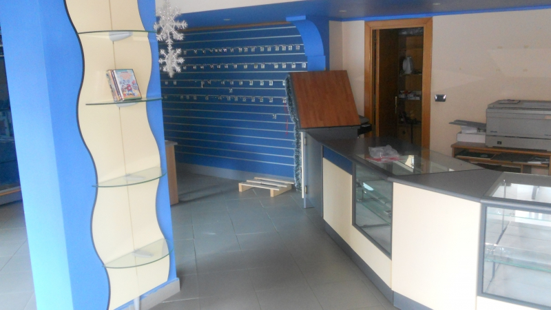 Negozio / Locale in vendita a Aversa, 9999 locali, prezzo € 220.000 | CambioCasa.it