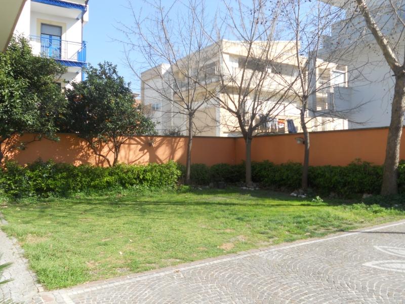 Villa affitto GRICIGNANO DI AVERSA (CE) - 5 LOCALI - 420 MQ