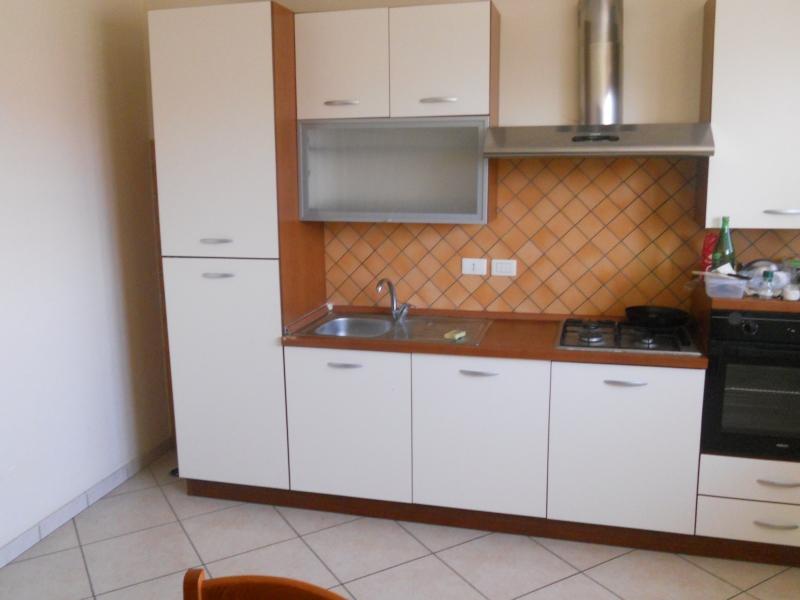 Soluzione Indipendente in affitto a Cesa, 3 locali, prezzo € 450 | CambioCasa.it