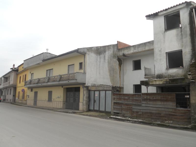 Casa Indipendente vendita TRENTOLA-DUCENTA (CE) - 6 LOCALI - 240 MQ