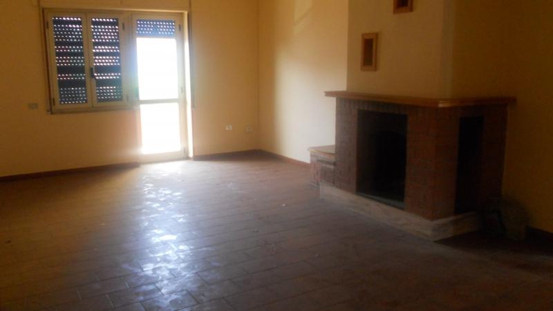 Appartamento in vendita a Frignano, 5 locali, prezzo € 110.000 | Cambio Casa.it