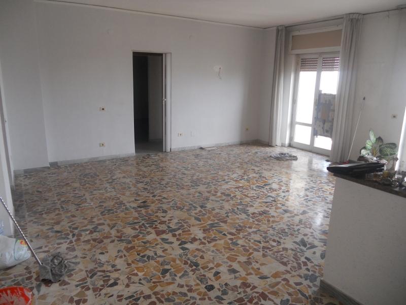 Appartamento vendita AVERSA (CE) - 7 LOCALI - 200 MQ