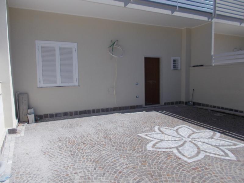 Villa vendita TRENTOLA-DUCENTA (CE) - 3 LOCALI - 200 MQ