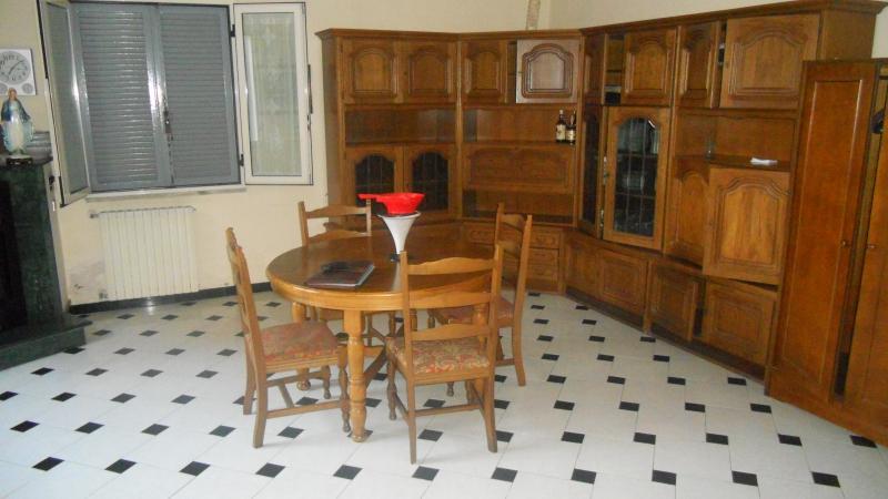 Appartamento in affitto a Lusciano, 2 locali, prezzo € 250 | Cambio Casa.it