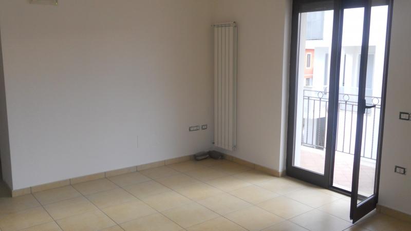 Appartamento in affitto a San Marcellino, 4 locali, prezzo € 400 | CambioCasa.it