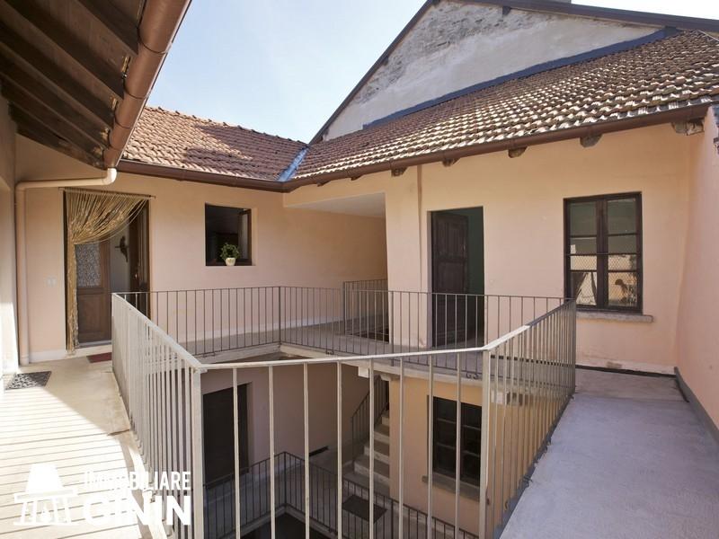 Casa Indipendente vendita CANNERO RIVIERA (VB) - 7 LOCALI - 200 MQ
