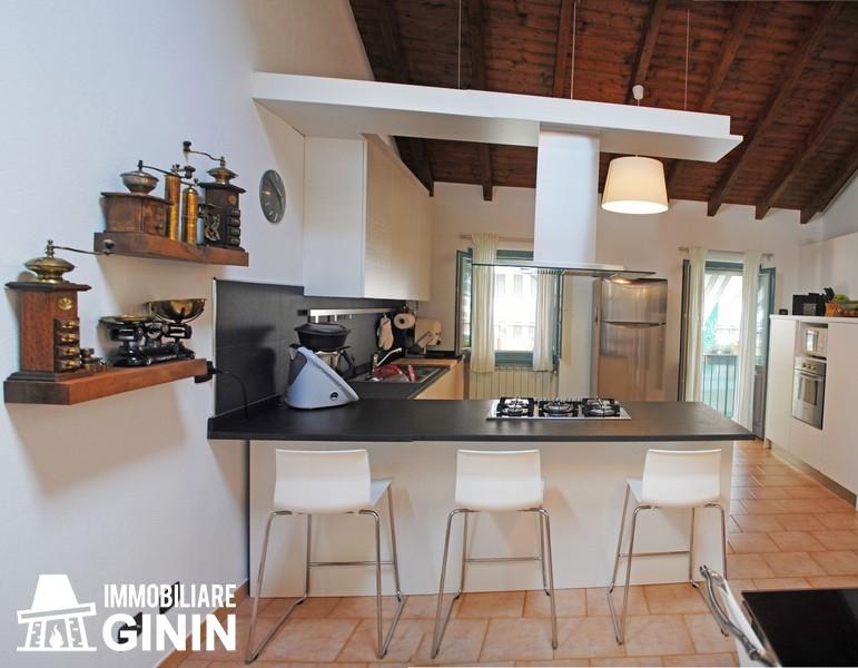 Appartamento vendita CANNOBIO (VB) - 5 LOCALI - 165 MQ