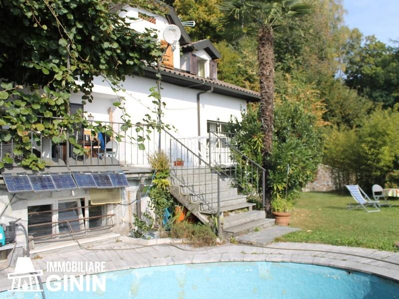 Villa vendita TRAREGO VIGGIONA (VB) - 7 LOCALI - 371 MQ