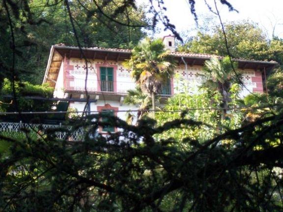 Villa vendita OGGEBBIO (VB) - 7 LOCALI - 250 MQ