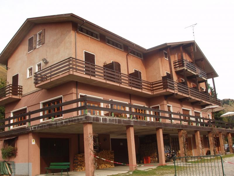 Albergo in vendita a Collio, 20 locali, Trattative riservate | CambioCasa.it
