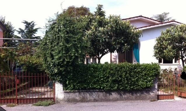 Villa in vendita a Rezzato, 4 locali, prezzo € 200.000   Cambio Casa.it