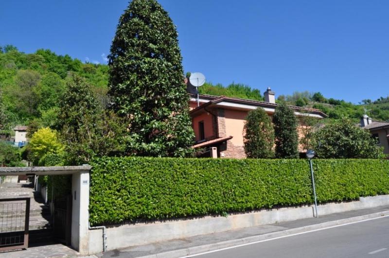 Villa in vendita a Cellatica, 5 locali, prezzo € 385.000 | Cambio Casa.it