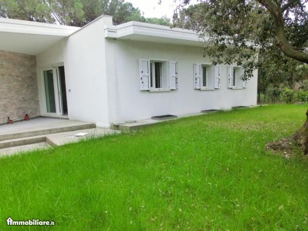Villa vendita LIGNANO SABBIADORO (UD) - 7 LOCALI - 140 MQ