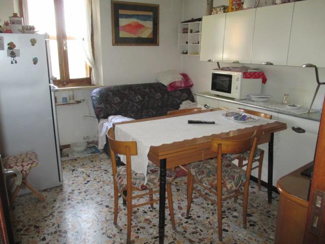 Villa in vendita a Senigallia, 9999 locali, prezzo € 160.000 | CambioCasa.it