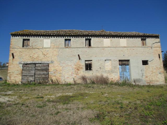 Rustico / Casale in Vendita a Ostra