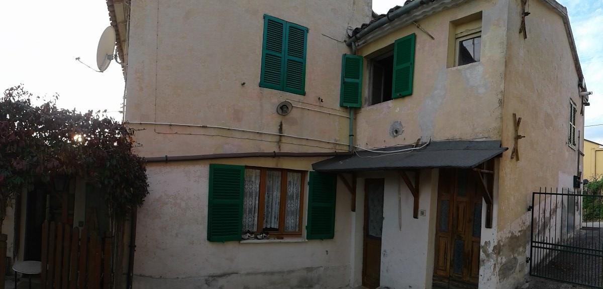 Villa in vendita a Senigallia, 9999 locali, prezzo € 180.000 | CambioCasa.it
