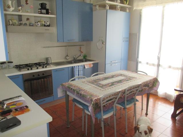 Appartamento in vendita a Mondolfo, 9999 locali, prezzo € 145.000 | CambioCasa.it