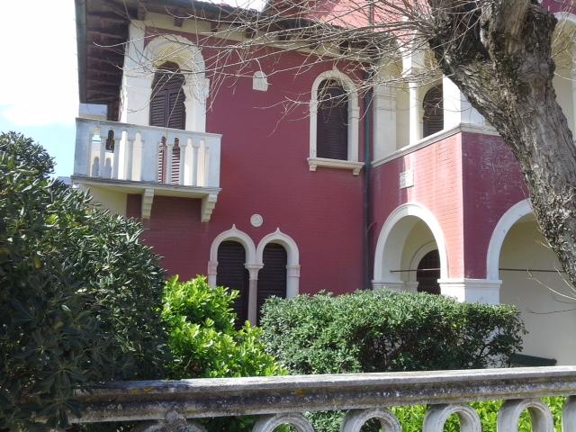 Villa vendita SENIGALLIA (AN) - 99 LOCALI - 325 MQ
