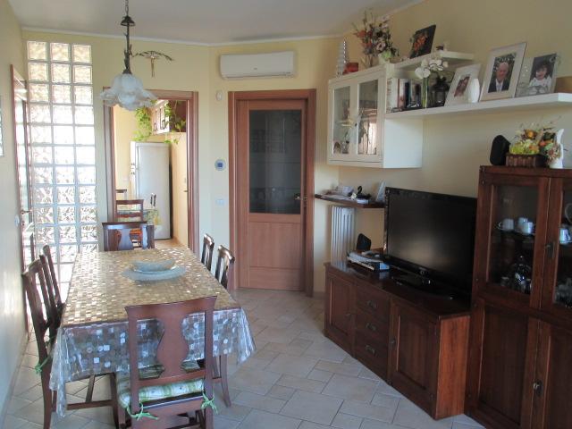 Casa Indipendente vendita OSTRA (AN) - 99 LOCALI - 80 MQ