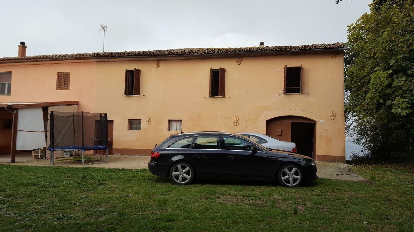 Villa vendita CORINALDO (AN) - 99 LOCALI - 280 MQ