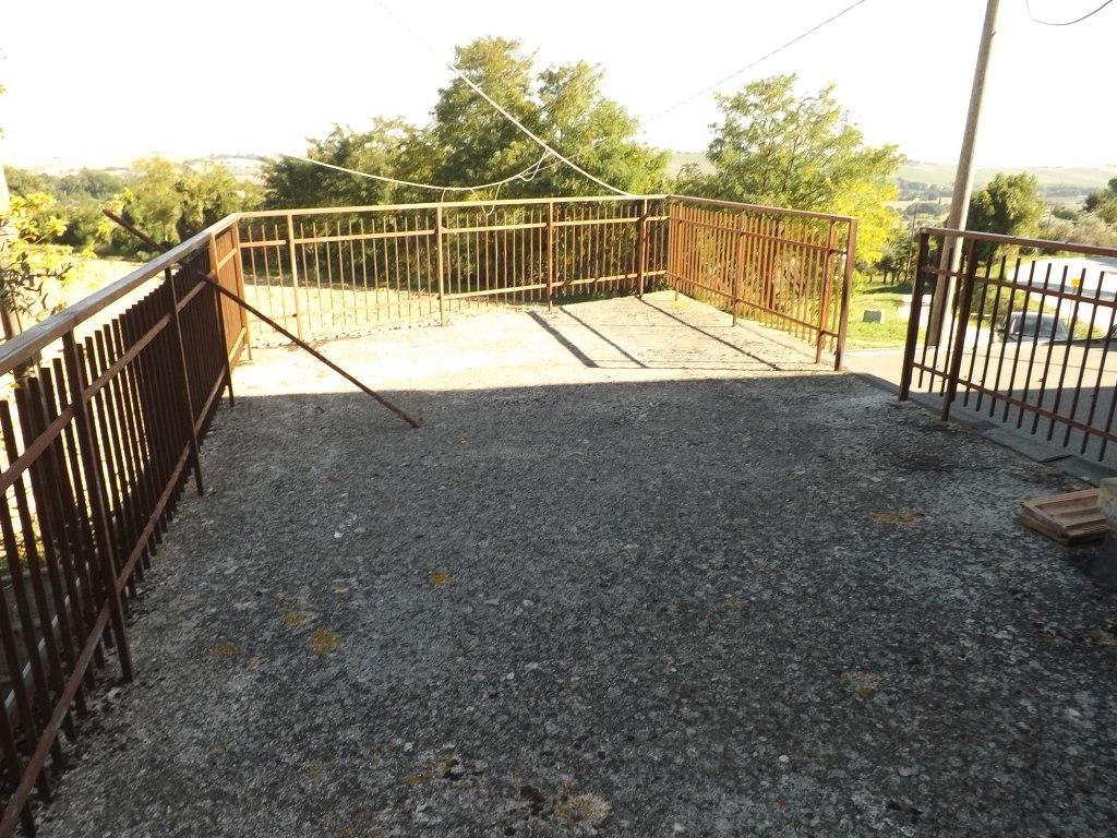 Villa vendita CASTELLEONE (CR) - 99 LOCALI - 95 MQ