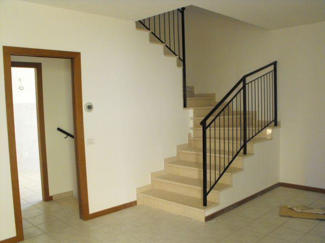 Villa vendita RIPE (AN) - 99 LOCALI - 165 MQ