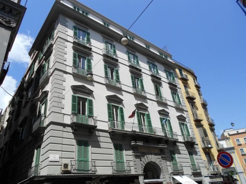 Laboratorio in affitto a Napoli, 8 locali, zona Località: Napoli centro, prezzo € 3.000 | Cambio Casa.it