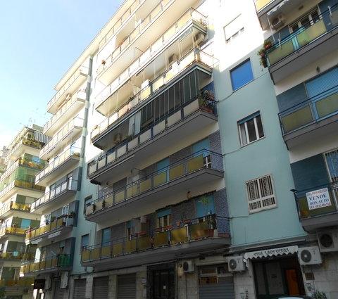 Magazzino in affitto a Napoli