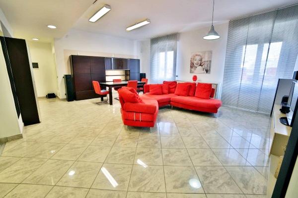 Appartamento in affitto a La Spezia, 5 locali, zona Zona: Zona Centro, prezzo € 1.200 | CambioCasa.it