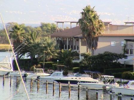 Villa a schiera terra mare con 7 posti letto, giardino, posto barca: a partire da 450 euro a settima Rif.9601270