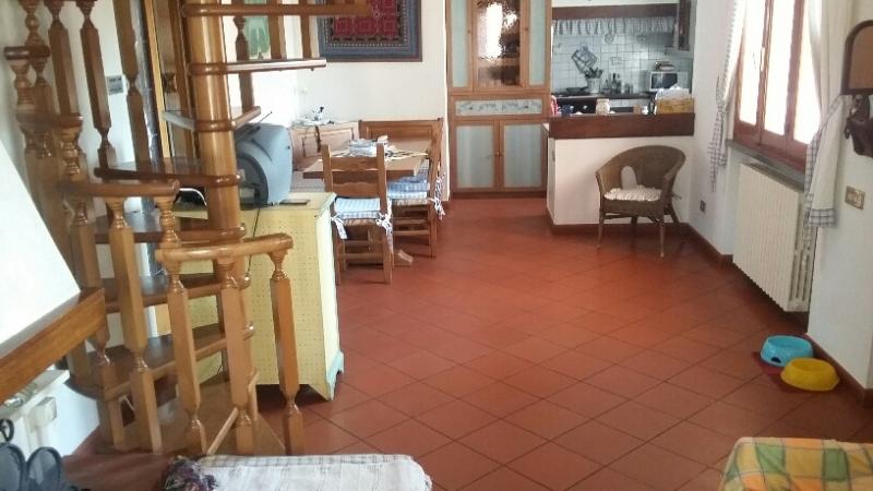 Appartamento in vendita a Uzzano, 6 locali, prezzo € 225.000 | CambioCasa.it