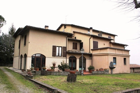 Cascina/casale affitto ORVIETO (TR) - 7 LOCALI - 700 MQ