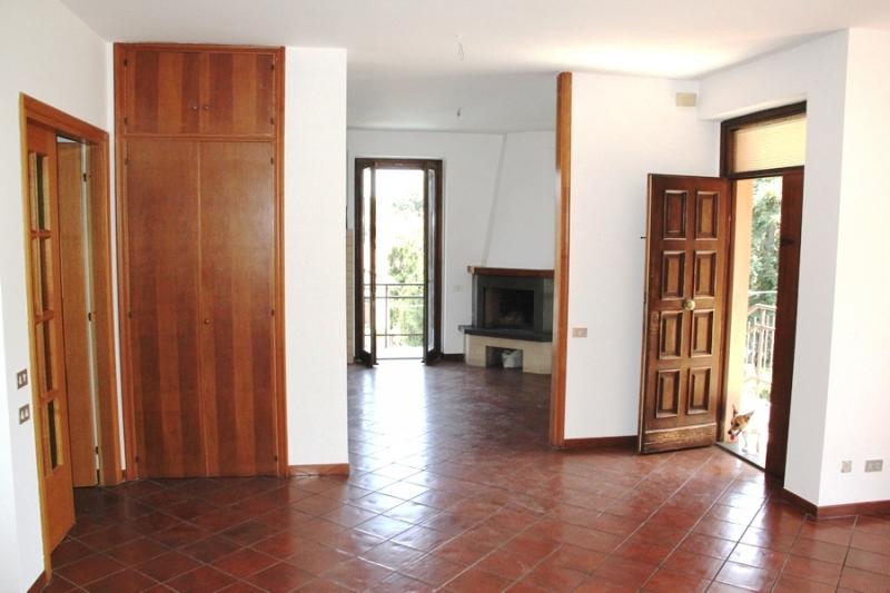 Appartamento vendita PORANO (TR) - 6 LOCALI - 90 MQ