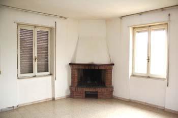 Casa Indipendente vendita BASCHI (TR) - 7 LOCALI - 240 MQ