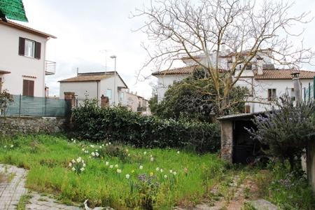 Casa Indipendente vendita BOLSENA (VT) - 7 LOCALI - 150 MQ