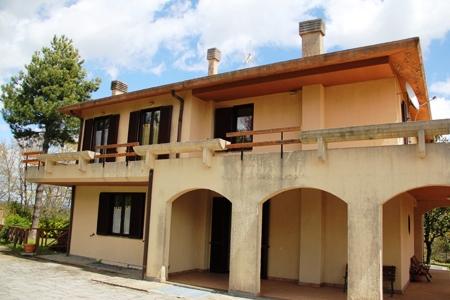 Casa Indipendente vendita LUBRIANO (VT) - 6 LOCALI - 320 MQ