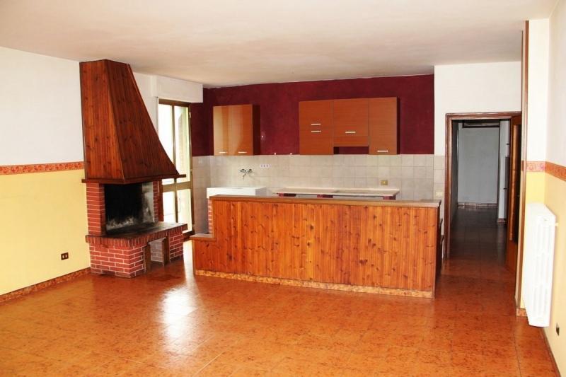 Baschi - Appratamento al primo piano con balconi in affitto nella zona industriale di Baschi