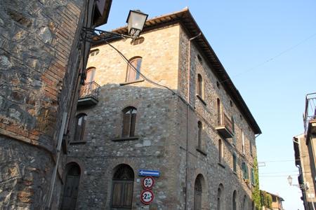 Appartamento vendita CASTEL VISCARDO (TR) - 7 LOCALI - 500 MQ