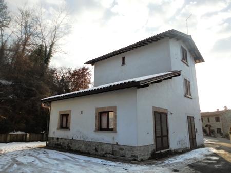 Casa Indipendente vendita ORVIETO (TR) - 7 LOCALI - 170 MQ