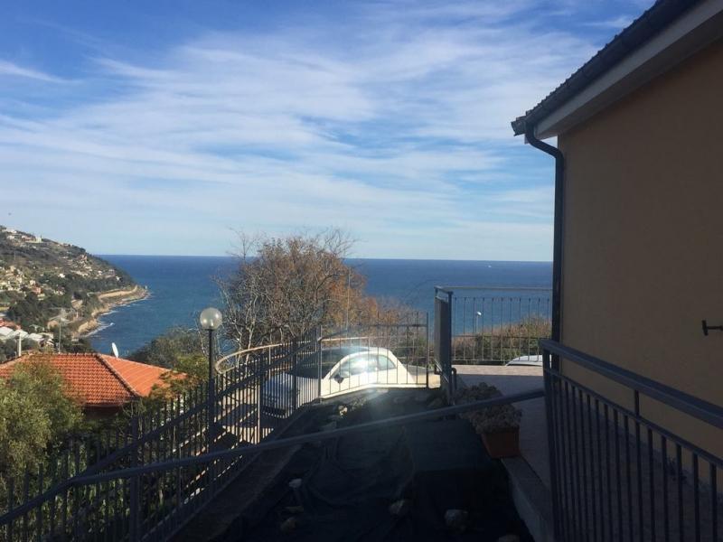 Villa in vendita a San Lorenzo al Mare, 4 locali, prezzo € 365.000 | Cambio Casa.it