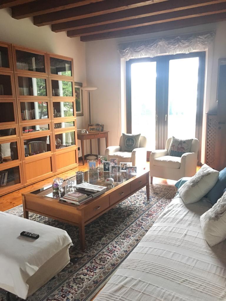 Villetta a schiera da ristrutturare post_categories_options/property_options.data.interior_decoration.data.20 in vendita Rif. 10742038