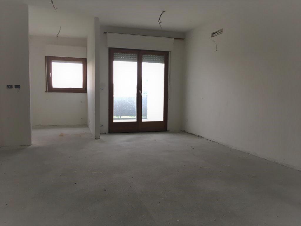 Appartamento in discrete condizioni in vendita Rif. 9846668