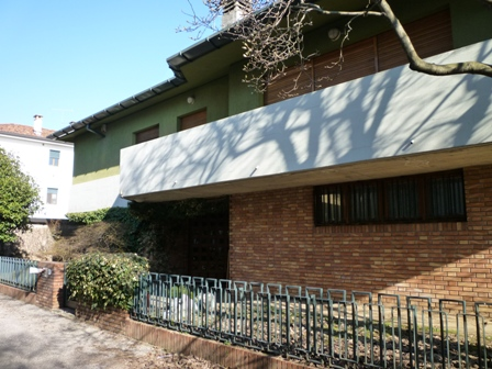 Villa da ristrutturare in vendita Rif. 10742024