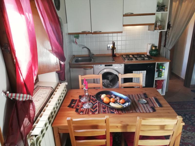 Appartamento in buone condizioni in vendita Rif. 9704974