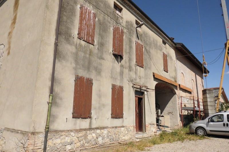 Rustico / Casale in discrete condizioni in vendita Rif. 11255217