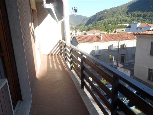 Appartamento da ristrutturare arredato in vendita Rif. 8955155