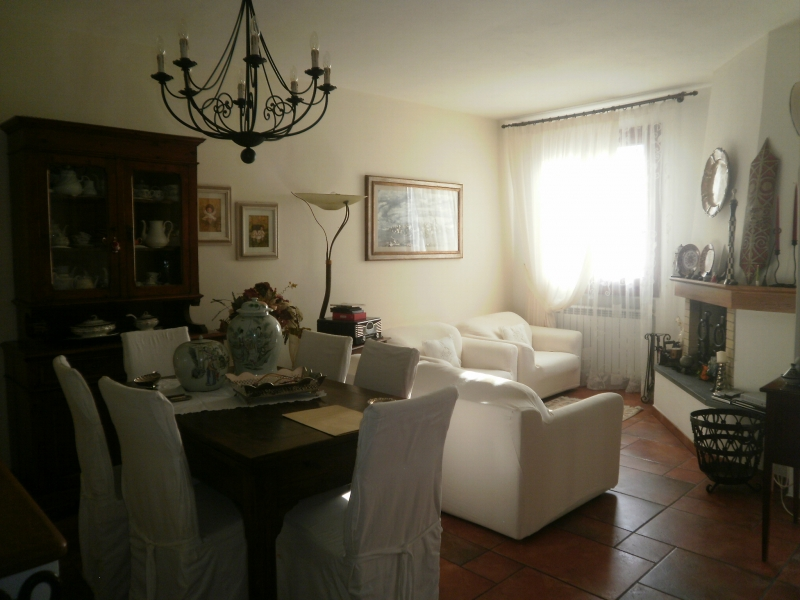 Vicchio vendesi appartamento 4 vani 135 Mq