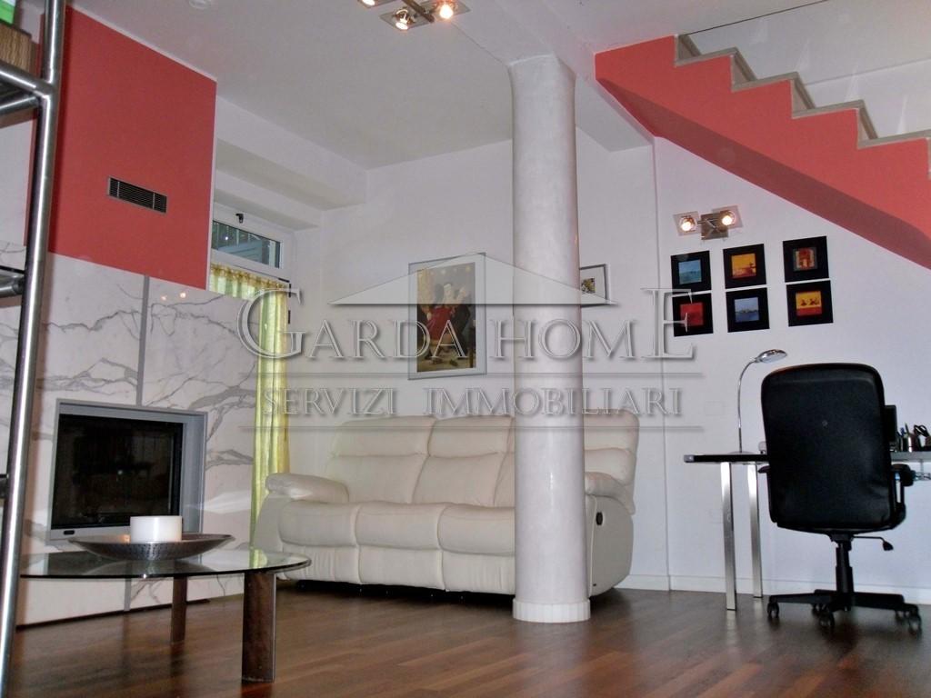 Appartamento ristrutturato in vendita Rif. 4054577